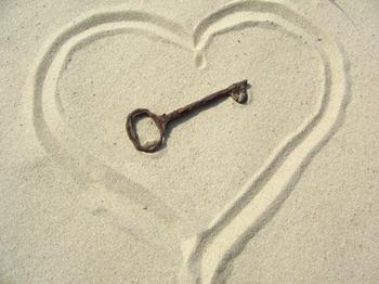 key to heart sand